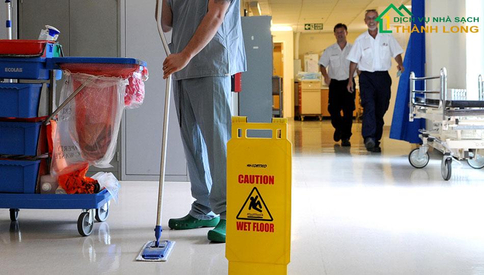 Bản mô tả công việc nhân viên vệ sinh công nghiệp, nhà cửa