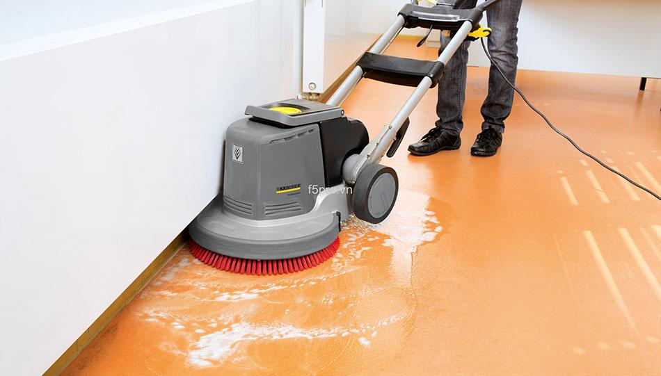 Cách sử dụng thiết bị máy vệ sinh công nghiệp hiệu quảCách sử dụng thiết bị máy vệ sinh công nghiệp hiệu quả